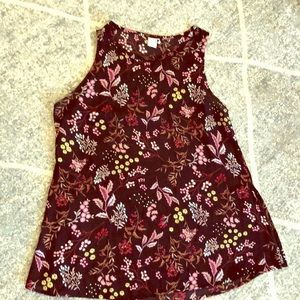 Floral blank tank with side slits